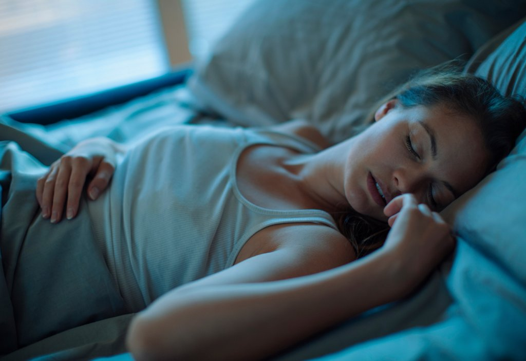 How to improve sleep during hot nights without AC